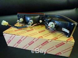 Corolla CP Coupe AE86 Front Right Bumper Turn signal lamp NEW Genuine OEM Parts