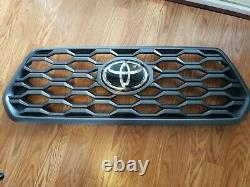 2016-2021 Toyota Tacoma Trd Grille Avec Emblem 53114-04250 Genuine Oem Partie